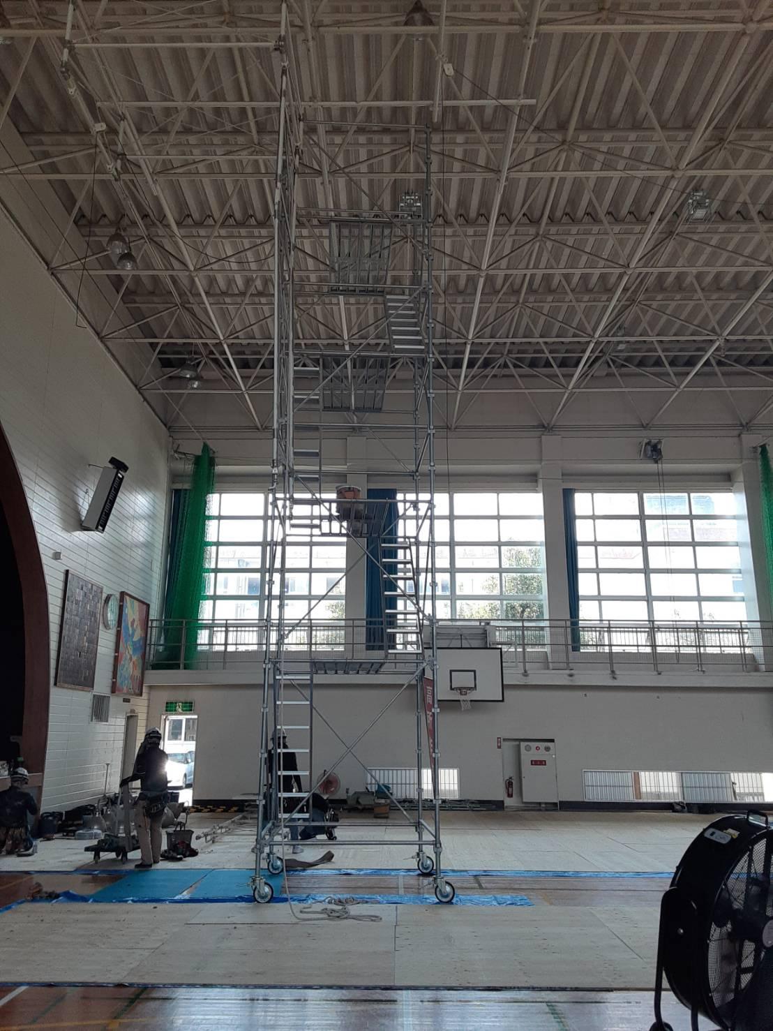 体育館照明取替工事